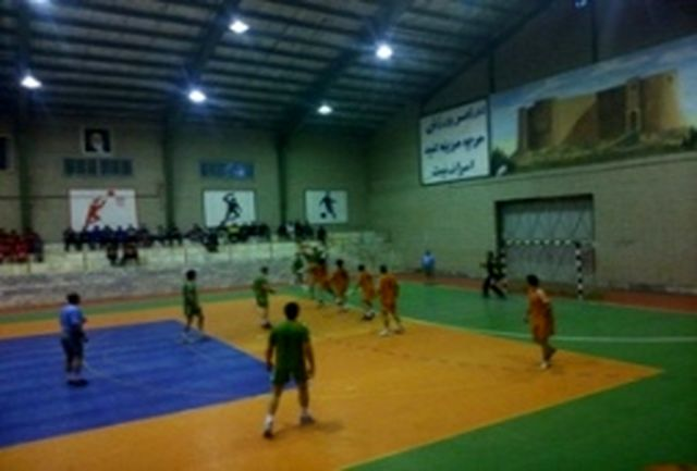 صعود پتروشیمی لرستان به دور دوم لیگ دسته دوم هندبال کشور