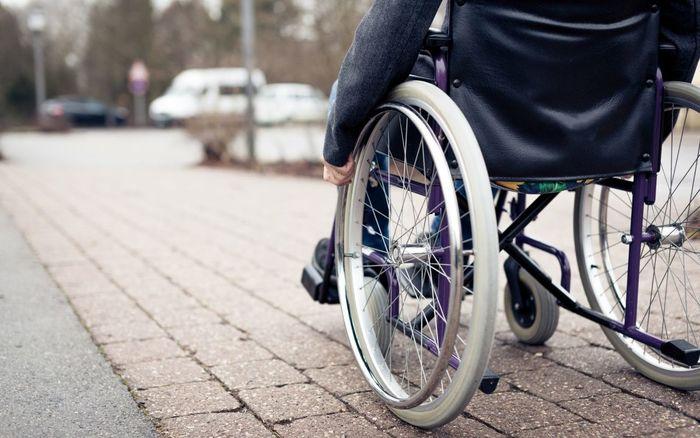 چرا قانون حمایت از معلولان پس از گذشت 2 سال اجرایی نشد؟/ معلولان به قانون بدون بودجه چشم دوخته اند