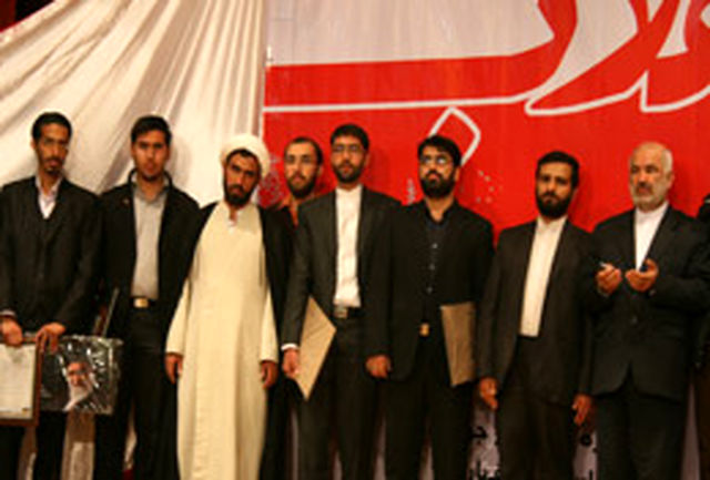 مراسم تقدیر از مجموعههای فرهنگی فعال در خیمههای انقلاب برگزار شد