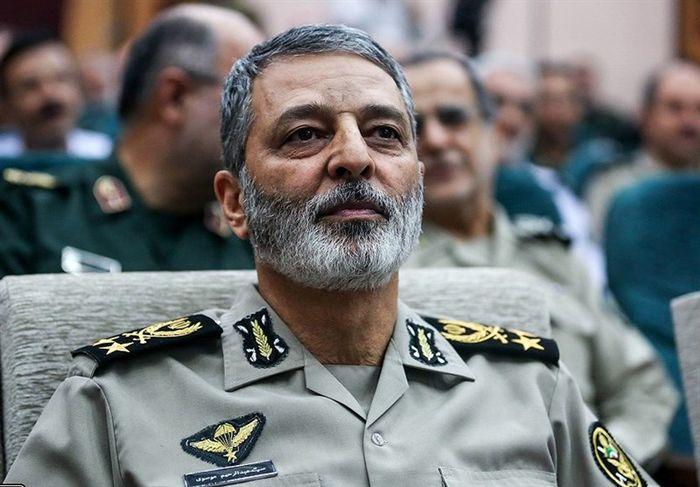 پوشیدن لباس نظامی، برای دفاع از نظام، مردم و شهادت است
