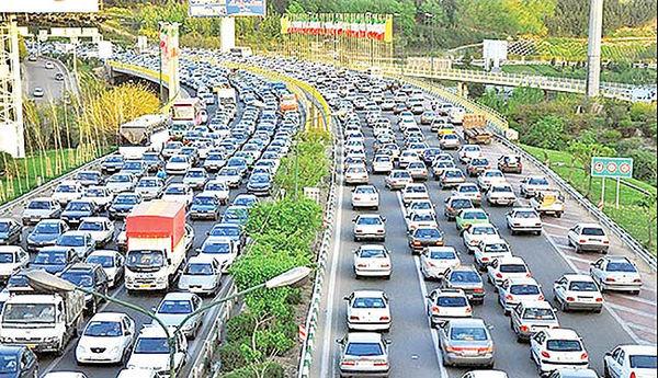 گره ترافیکی سنگین در آزادراه قزوین_کرج_ تهران/محور چالوس_ مرزن آباد مسدود است