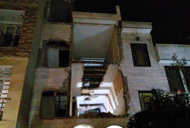 تخریب مغازه در پاساژ ۳ طبقه قدیمی