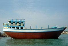 صادرات یک لنج باری از قشم به مقصد امارات
