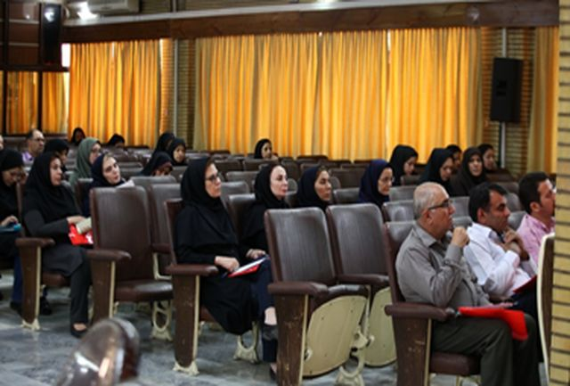 برگزاری دورههای آموزشی توسط پژوهشکده محیطزیست و توسعه پایدار
