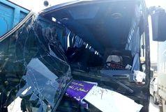 تصادف شدید اتوبوس ویژه استقبال از رئیس جمهوری / ببینید