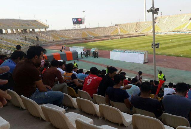 استقبال بسیار کم از دیدار پرسپولیس و استقلال خوزستان