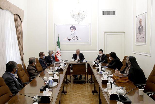 مدیریت استان از فعالیت نهادهای حقوقی غیردولتی حمایت میکند