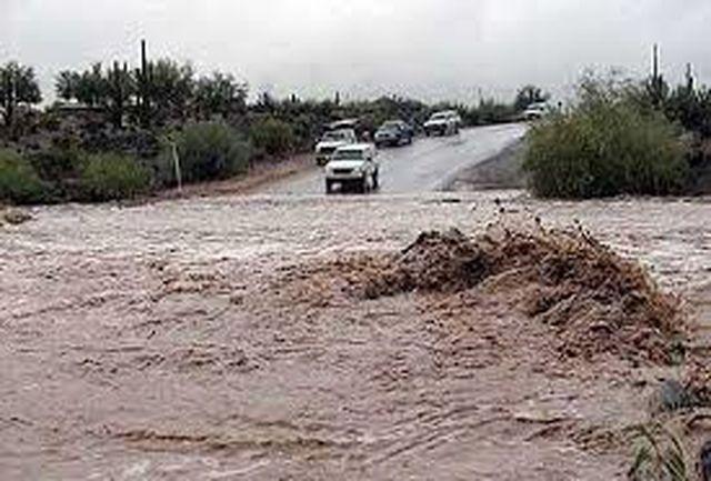 محور کنارک-جاسک بر اثر طغیان رودخانه مسدود شد