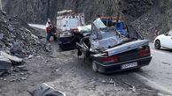 مرگ در جاده هراز/ کوه ریزش کرد