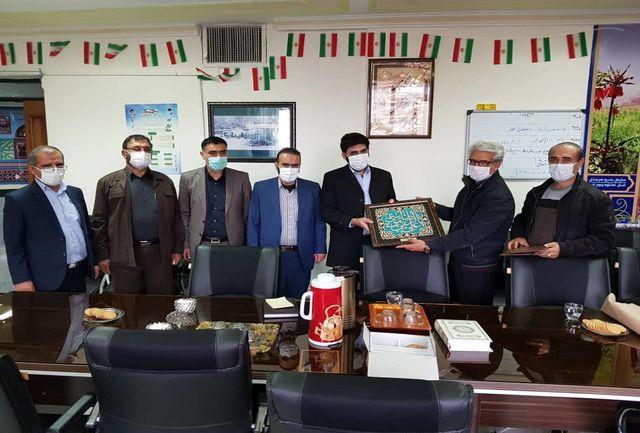 تجلیل از رئیس بسیج اصناف کشور توسط کمیته امداد منطقه یک یاسوج