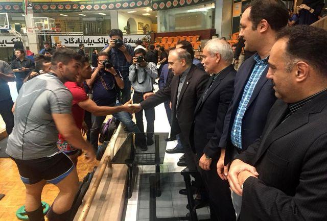 بازدید وزیر ورزش و جوانان از اردوی تیم ملی کشتی