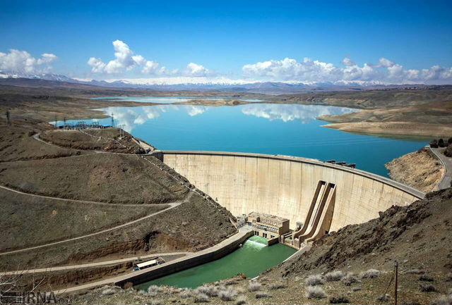 سد زاینده رود تنها ۲۸ درصد آب دارد
