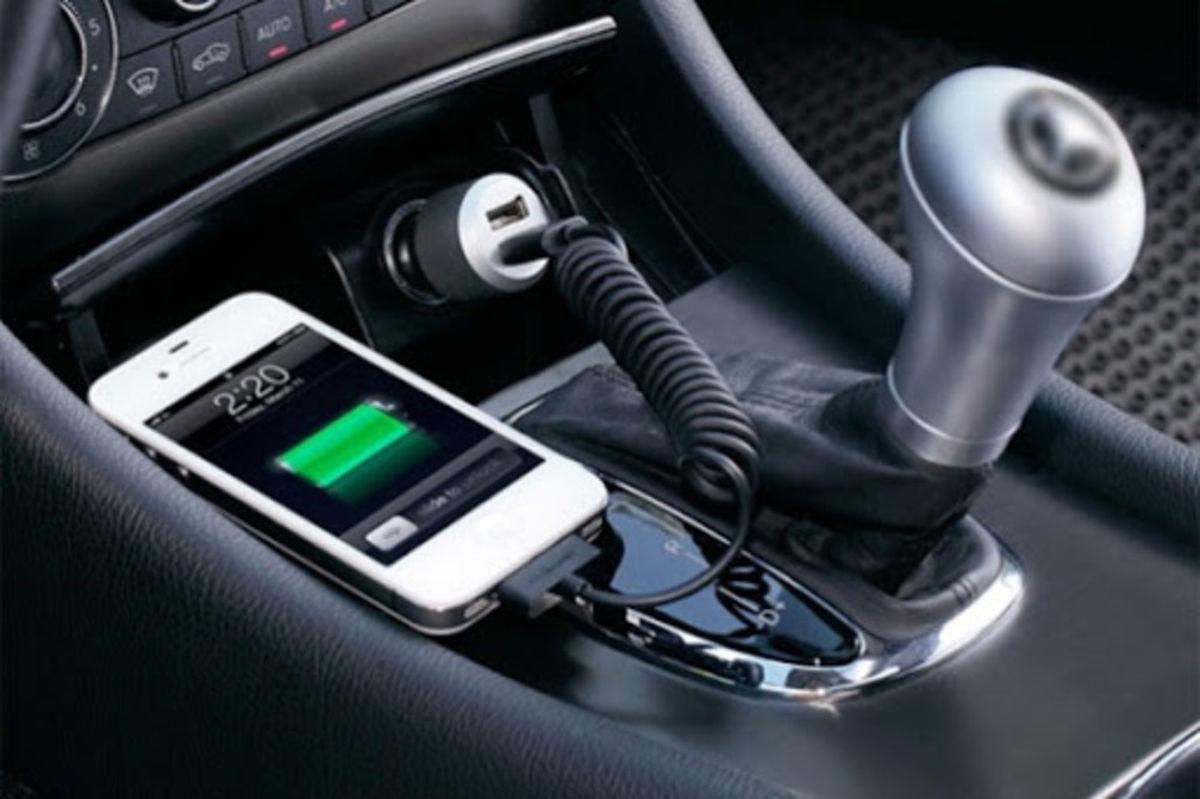 چرا موبایل را در ماشین شارژ نکنیم؟