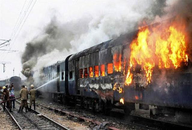 حریق در قطار مسافربری یزد-تهران +فیلم
