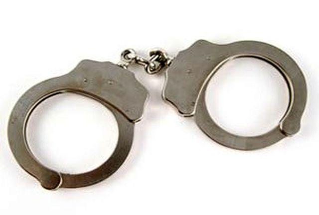دستبند پلیس کهنوج بر دستان سارق منازل با 7 فقره سرقت
