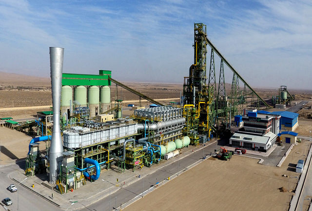 رشد مثبت ۲.۵ درصدی صنعت در سه ماهه اول امسال/ صادرات فولاد در سال ۹۸ رکورد زد