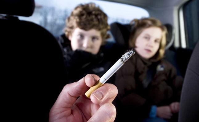 چگونه بوی سیگار داخل خودرو را از بین ببریم؟