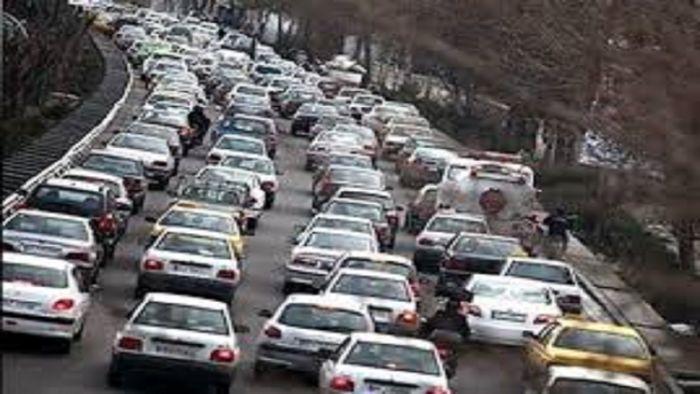 خروجیهای مشهد همچنان پر ترافیک