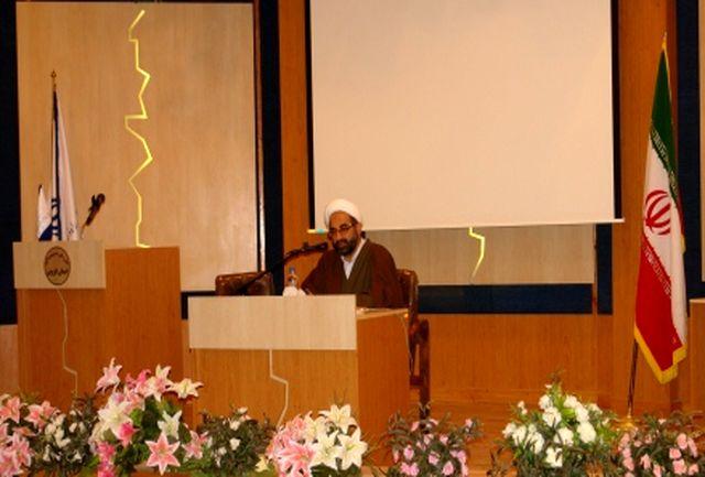برگزاری دوره آموزشی آداب و اسرار نماز در اداره کل راه و شهرسازی قزوین