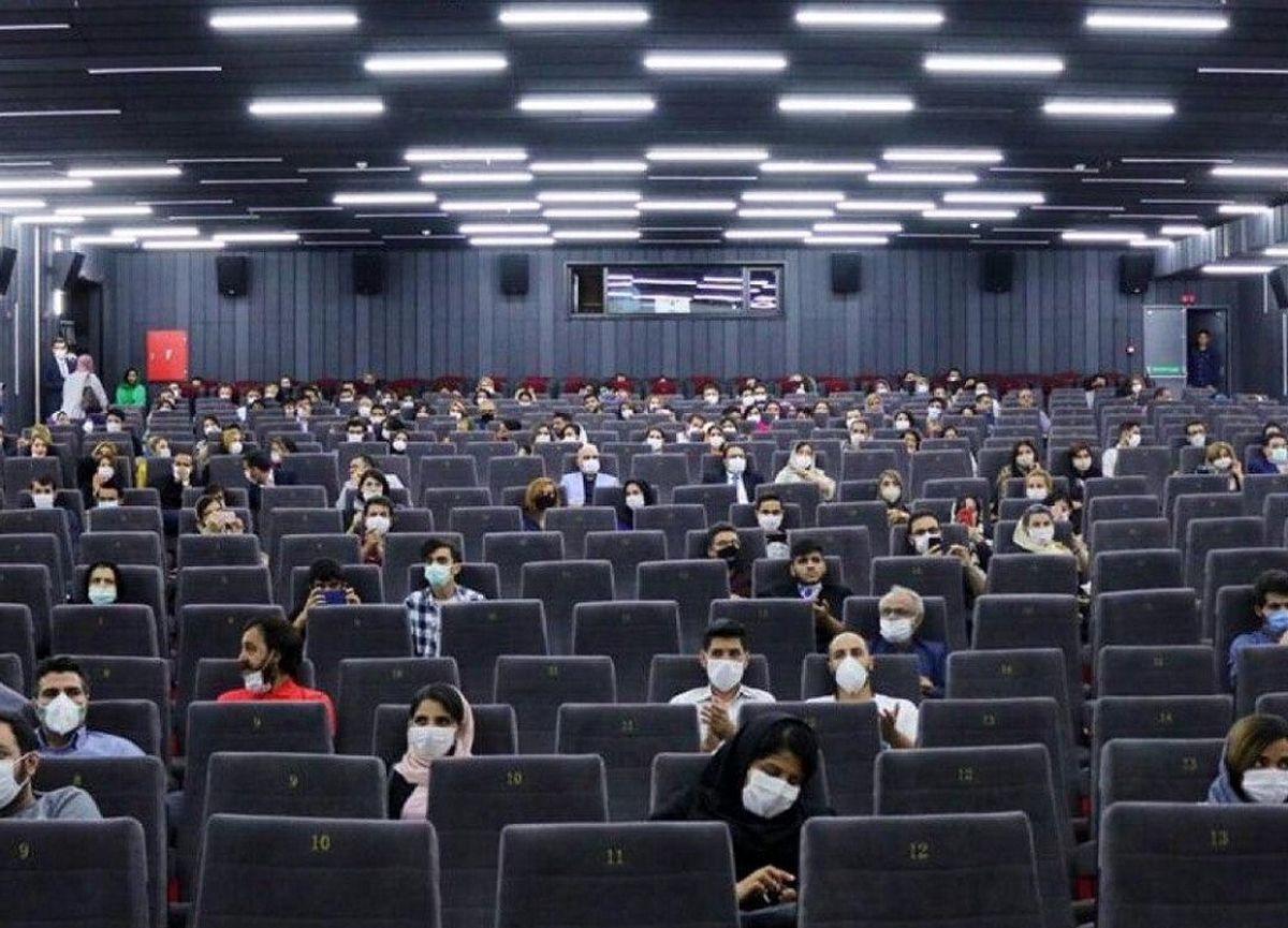 در دوران کرونا «دینامیت» و «شنای پروانه» در زمان اکرانشان به سینماها رونق دادند / فضای مجازی در فروش «دینامیت» موثر بوده است