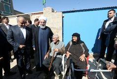 حضور روحانی در روستای زلزله زده میرمیروی