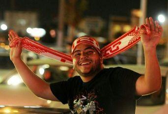 شادی مردم پس از راهیابی پرسپولیس به فینال جام باشگاه های آسیا - ۱