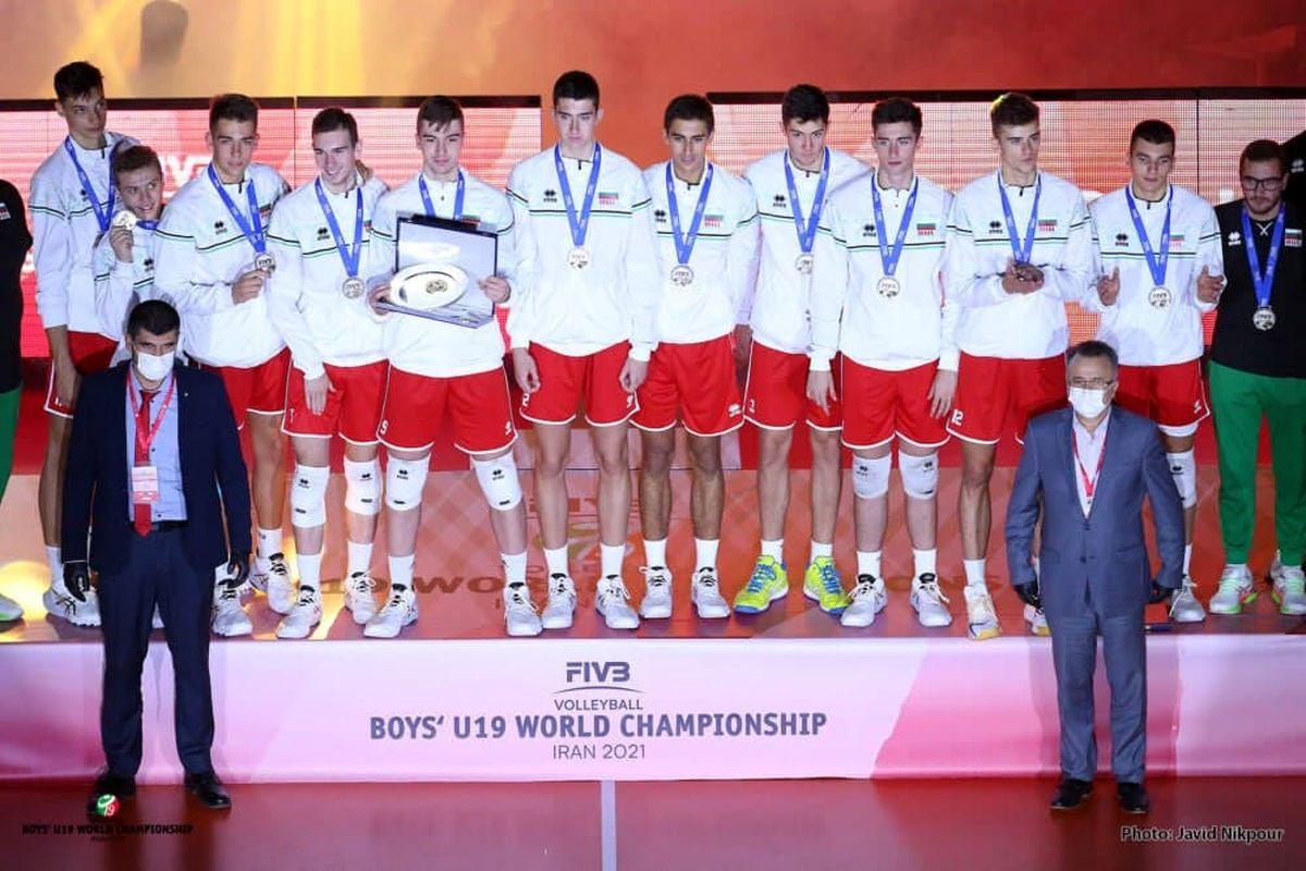 تمجید ناظر فدراسیون جهانی والیبال از میزبانی ایران در مسابقات نوجوانان جهان