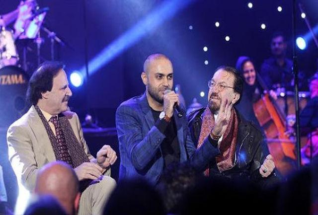 اجرای زنده «آبی شو» به خوانندگی حامی
