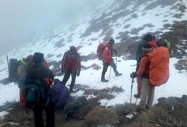 پایان عملیات نجات کوهنورد گرفتار در ارتفاعات کوه هزار راین