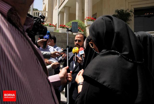 قاضی زاده هاشمی با اصرار خودش استعفا داد/ نمکی گفتگو با نمایندگان را آغاز کرده است/ نمایندگان به وزیر پیشنهادی بهداشت رای اعتماد بدهند