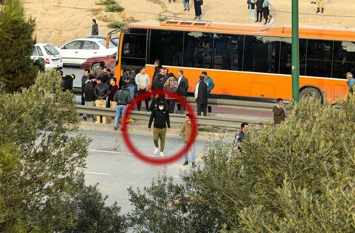 دختران و پسران مرموز در ناآرامی های دیروز چه کسانی بودند؟ + عکس