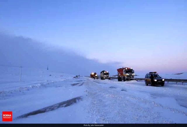 بارش برف در سه محور مواصلاتی چهارمحال و بختیاری/ تردد فقط با زنجیرچرخ امکانپذیر است