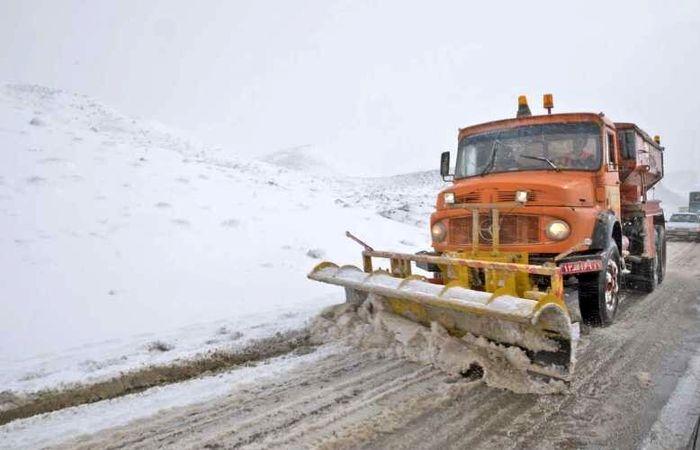 2300 کیلومتر از محورهای آذربایجانغربی برفروبی شد