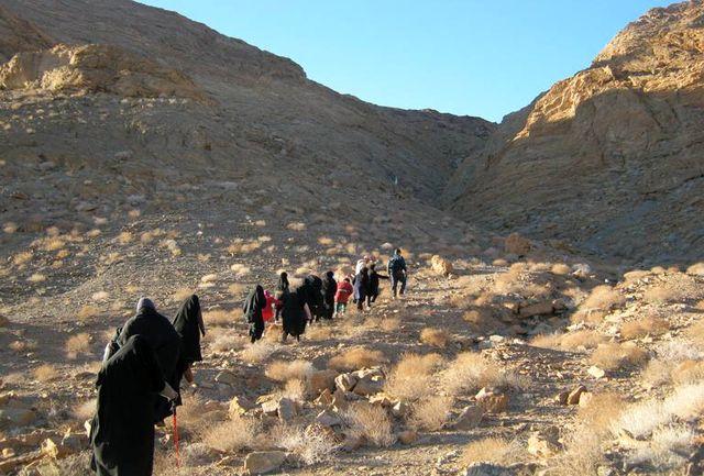 صعود سراسری گروه کوهنوردی خواهران بسیجی به قله سهند