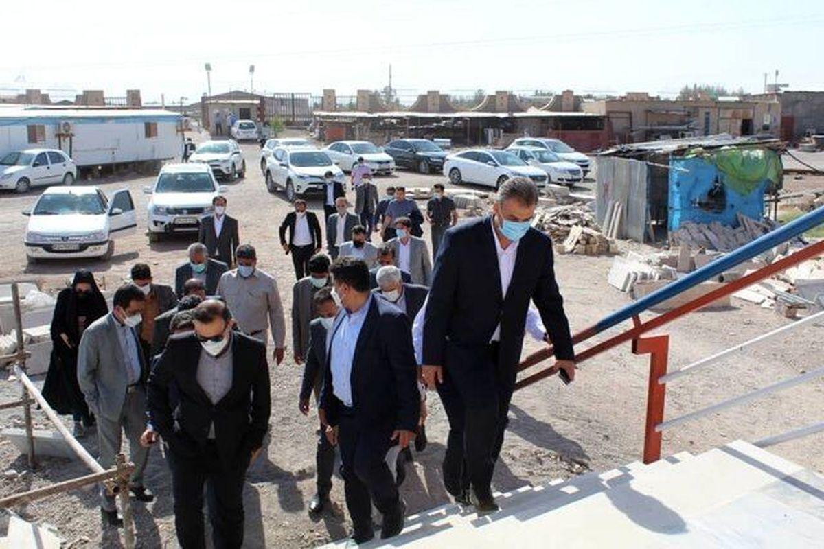 بازدید عزیزی خادم از روند احداث ورزشگاه شهدای مس رفسنجان
