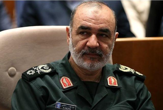 فرمانده کل سپاه وارد ارومیه شد/ توزیع۵۰۰ سری جهیزیه اهدایی مقام معظم رهبری