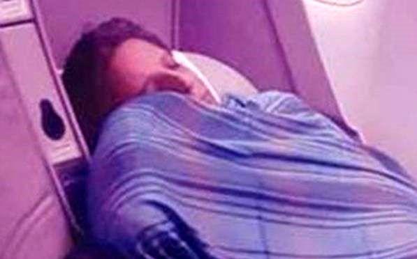 خلبان وسط پرواز خوابش برد!+ عکس