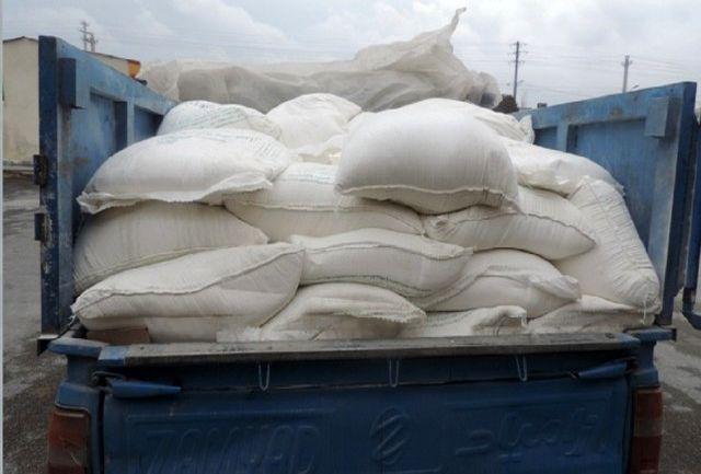 کشف 2 هزار کیلو آرد و سبوس خارج از شبکه توزیع در خرمشهر