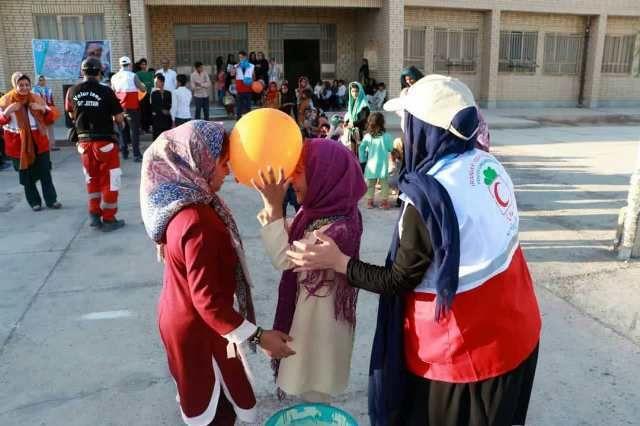 ارائه خدمات تیم سحر هلال احمر گلستان با اجرای نذر آب ۲ در نیمروز