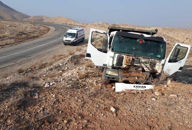 انحراف از جاده کامیونت در جلفا سه مصدوم برجای گذاشت