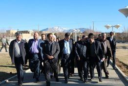 عملیات اجرایی قطار شهری اراک – مهاجران آغاز می شود/ عملکرد شورای  شهر مهاجران و شهرداری آن مثبت ارزیابی شد