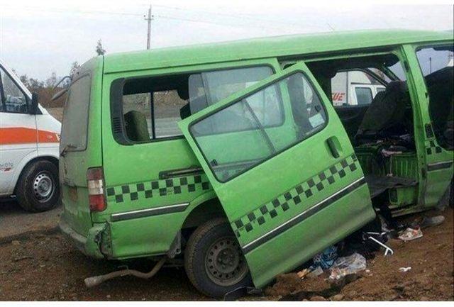 تصادف اتومبیل  حامل زائران ایرانی در عراق/11 مصدوم راهی بیمارستان شدند