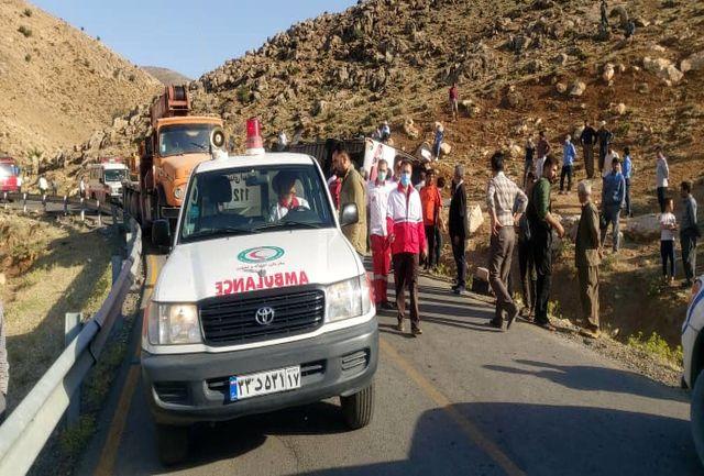 انتقادات خبرنگاران حاضر در حادثه واژگونی اتوبوس از وضعیت درمانی آسیب دیدگان