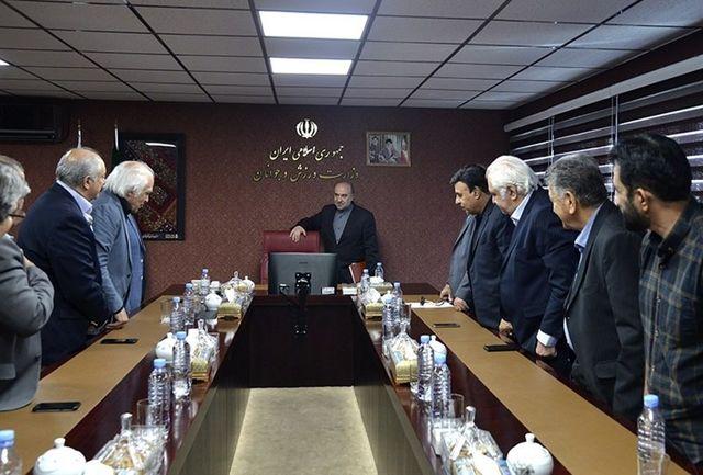 نشست ویژه پیشکسوتان باشگاه استقلال با وزیر ورزش و جوانان
