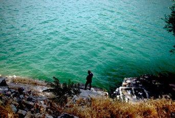 در حاشیه دریاچه  و سد امیر کبیر