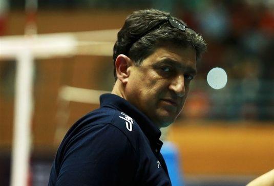قهرمانی حق تیم ملی والیبال ایران بود/ پیدا کردن جایگزین برای معروف سخت است