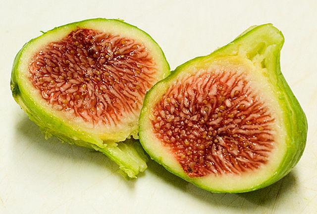 این میوه موجب رفع جوش ها می شود