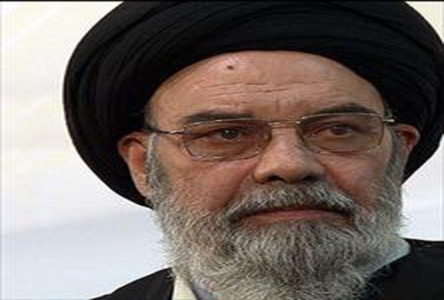 نماینده ولی فقیه در اصفهان درگذشت آیت الله مهدوی كنی را تسلیت گفت
