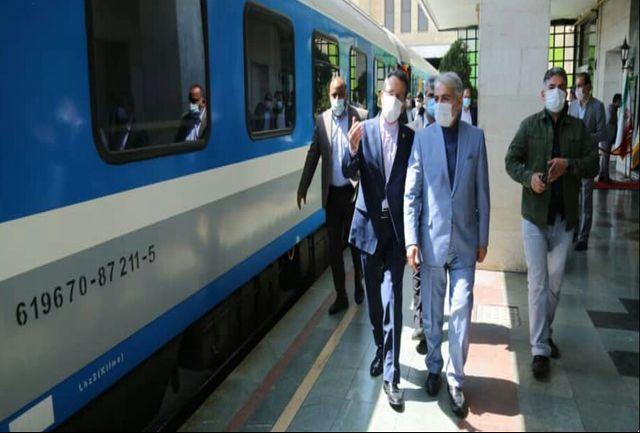 سفر معاون رییس جمهور و رییس سازمان برنامه و بودجه کشور با قطار رشت-تهران