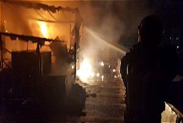 آتش سوزی مهیب در پشت بام ساختمان هفت طبقه اداری